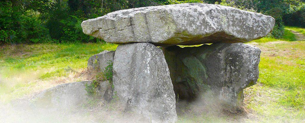 megalithe-aux-eglise-romane